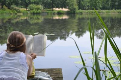woman reading, summer